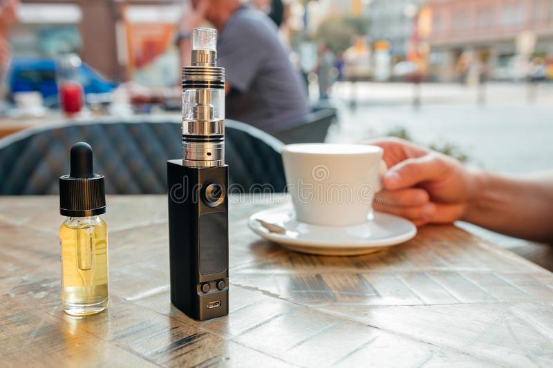 electronic cigratte e - liquid
